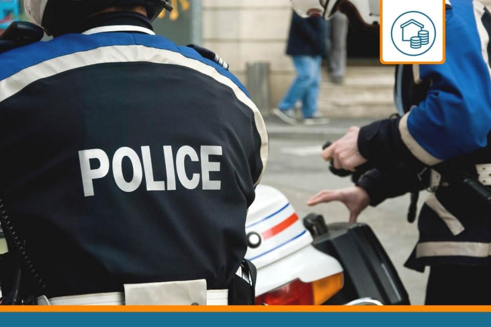 policier souscrivant une assurance emprunteur spécifique à son métier
