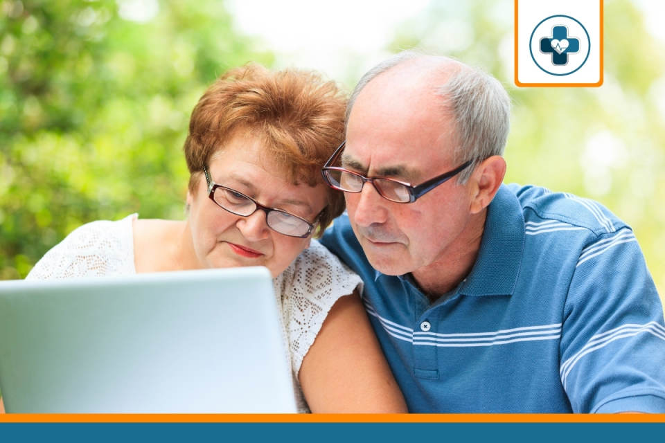 seniors à la recherche d'avis sur les mutuelles santé