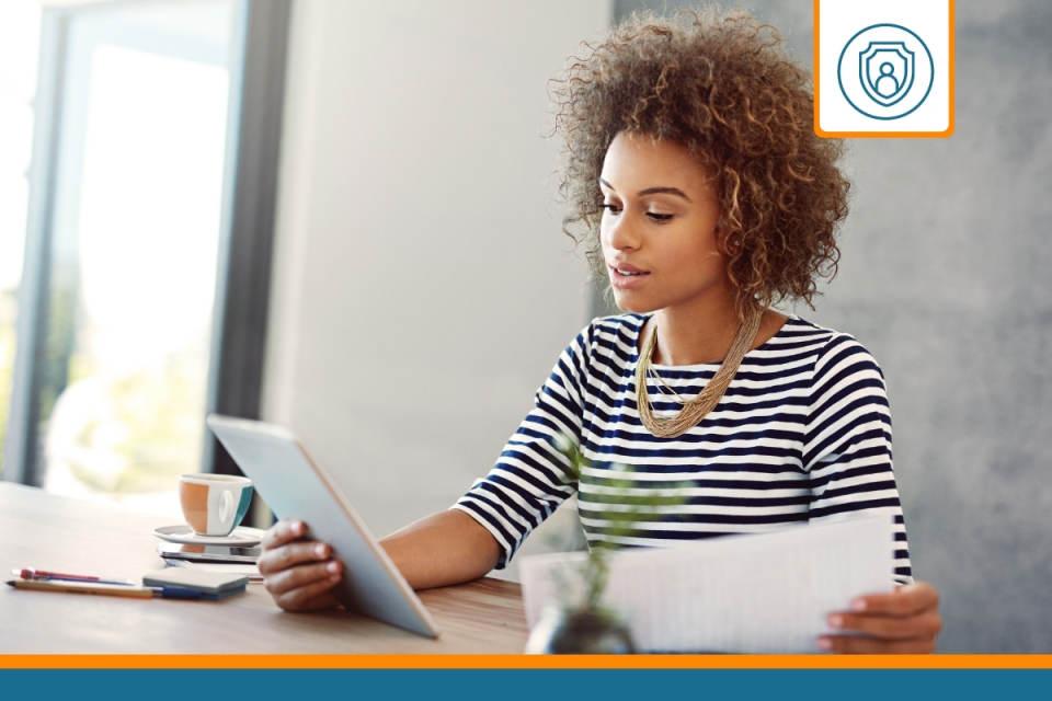 entrepreneuse qui compare les assurances rc professionnelles en ligne