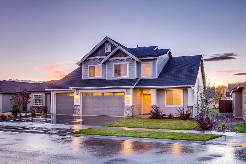 maison avec toiture rénovée
