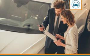 assureur expliquant le système du bonus malus en assurance auto